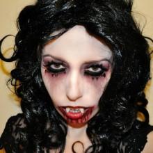 gruselige-halloween-kostueme-ideen-halloween-make-up-ideen-halloween-vampir