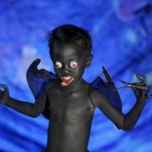 gruselige-halloween-kostueme-kinder-black-devil-bat-49