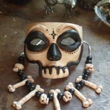 halloween-masken-ideen-skull-knochen-halloween-party-kostuem-ideen