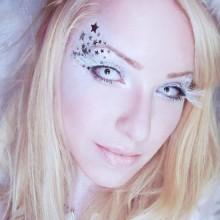 halloween make-up Ideen, farbige Kontaktlinsen angel