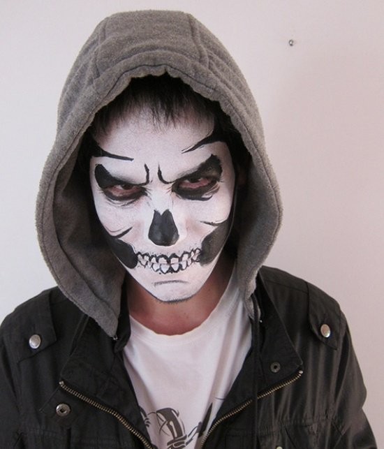 Schwarz Weiss Halloween Make Up Ideen Maenner 33 Kunstop De