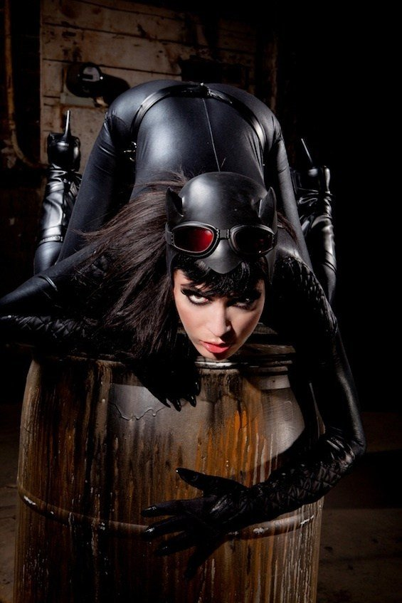 sexy halloween kostuem ideen catwoman. Black Bedroom Furniture Sets. Home Design Ideas