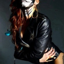 sexy-halloween-kostueme-damen-sexy-zombie-kostuem-make-up