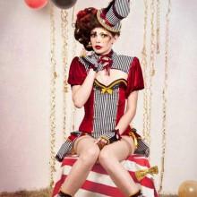 slutty-halloween-kostueme-halloween-party-kostuem-ideen-circus-burlesque