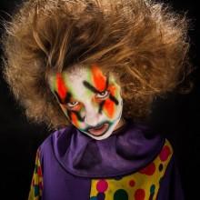 spooky-halloween-kostueme-fuer-jugendliche-clown-kostuem