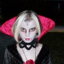 teenager-maedchen-halloween-kostueme-vampir